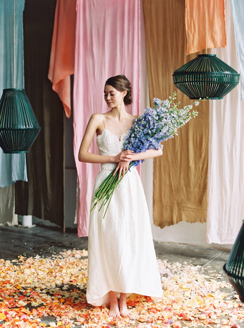 viva-color-wedding-inspiration-fine-art-portland-15-min.jpg