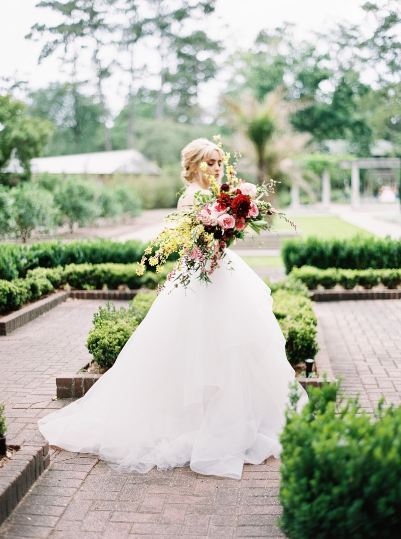 contax-645-garden-bridal-styled-shoot-10-min.jpg