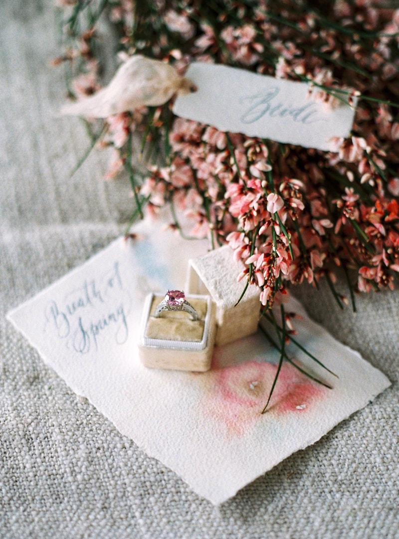 spring-wedding-inspiration-easter-bunny-contax-645-22-min.jpg