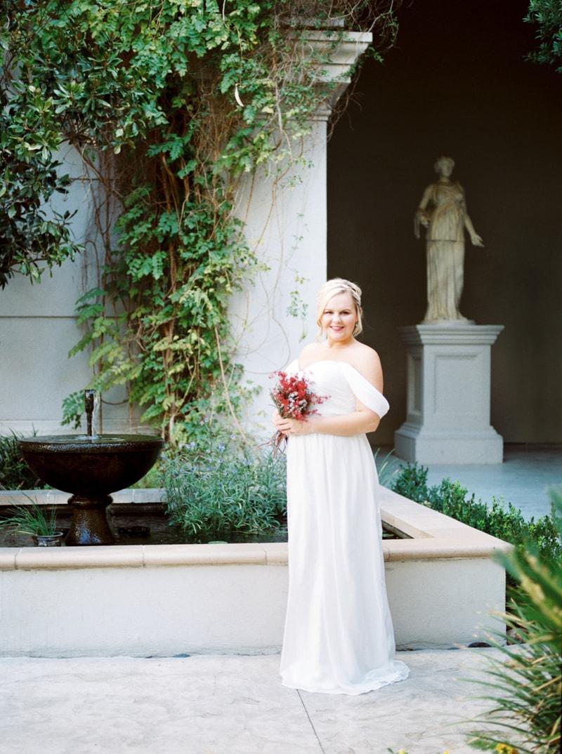caesar-palace-las-vegas-bridal-portraits-4-min.jpg