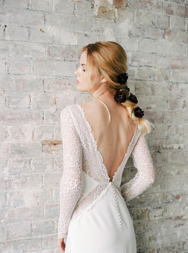 light-dark-bridal-inspiration-wedding-fashion-10-min.jpg