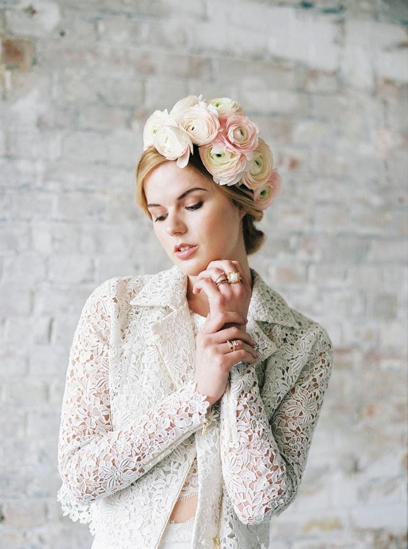 light-dark-bridal-inspiration-wedding-fashion-11-min.jpg