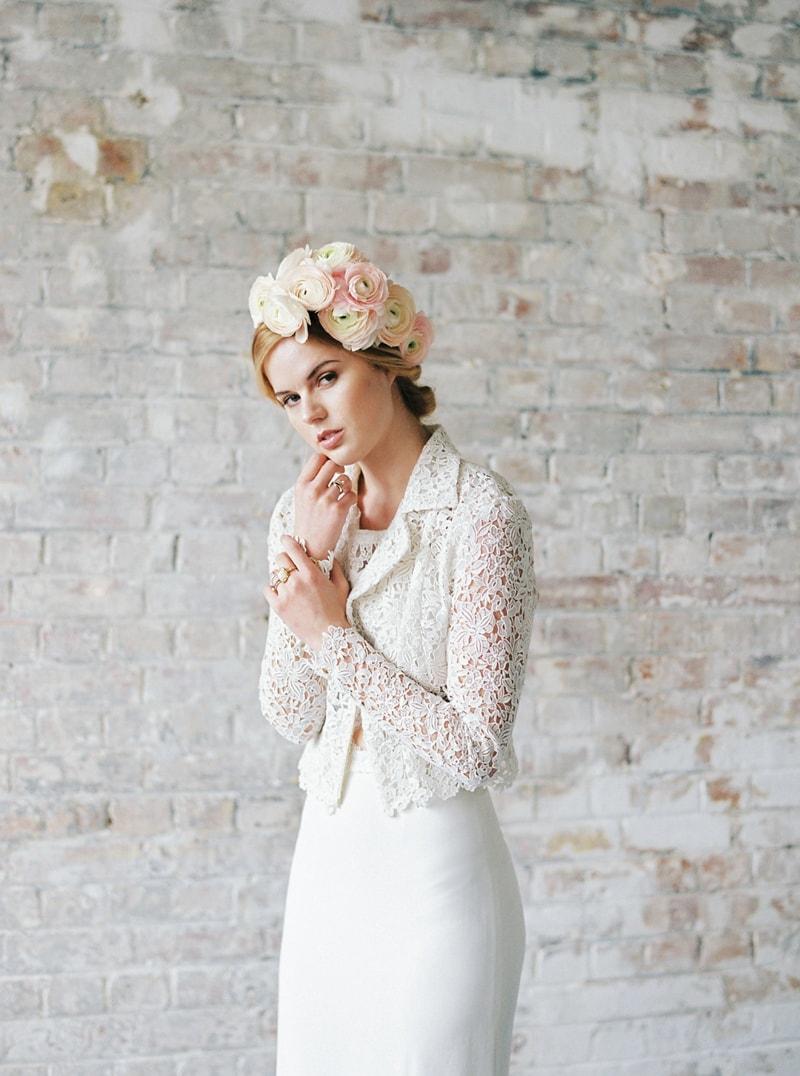 light-dark-bridal-inspiration-wedding-fashion-12-min.jpg