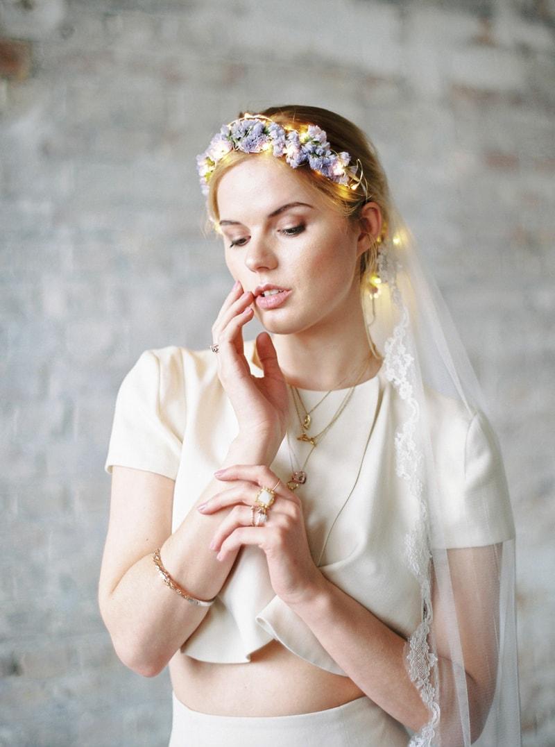 light-dark-bridal-inspiration-wedding-fashion-13-min.jpg