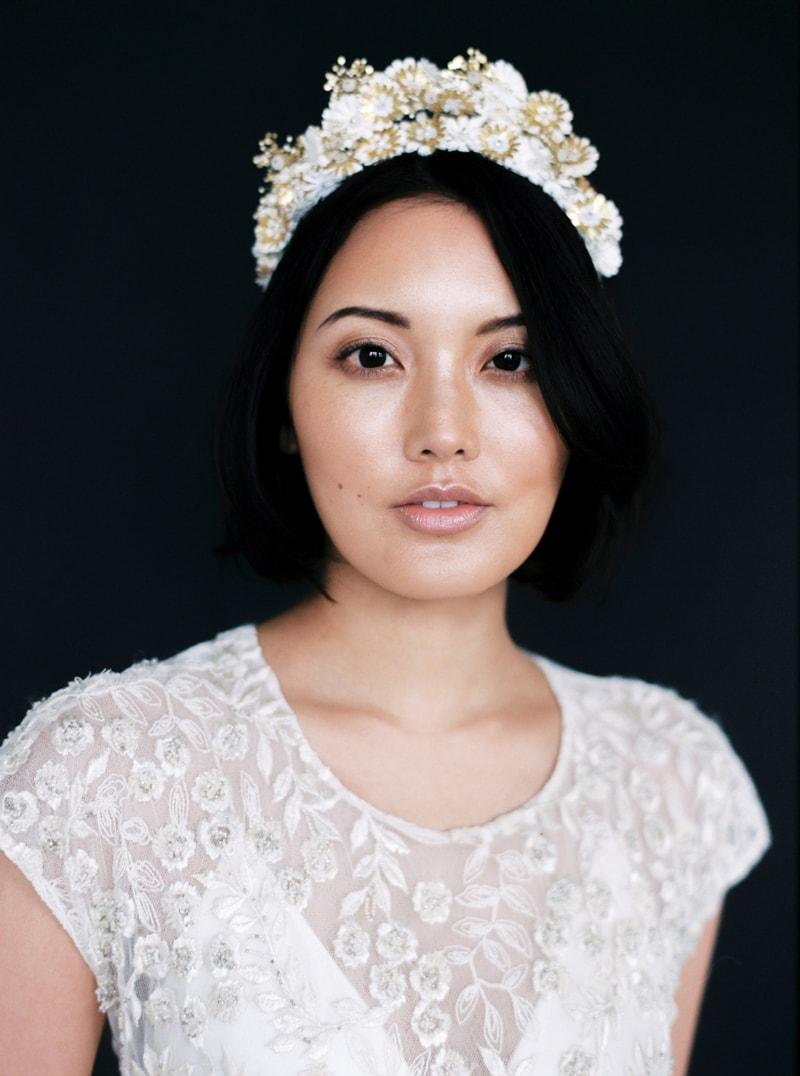 light-dark-bridal-inspiration-wedding-fashion-16-min.jpg