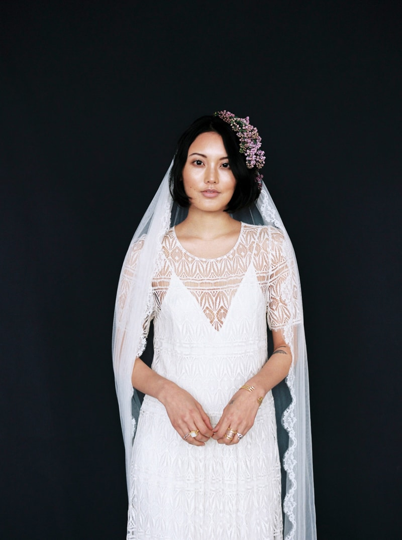 light-dark-bridal-inspiration-wedding-fashion-17-min.jpg