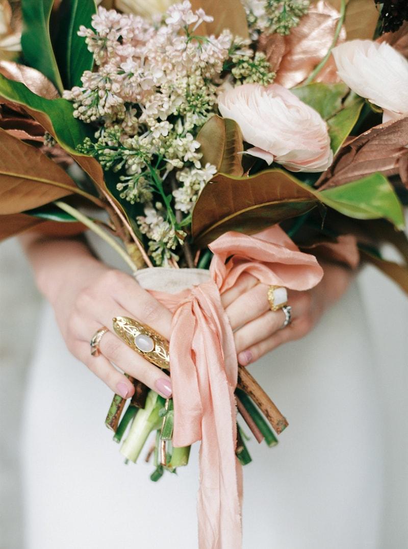 light-dark-bridal-inspiration-wedding-fashion-2-min.jpg