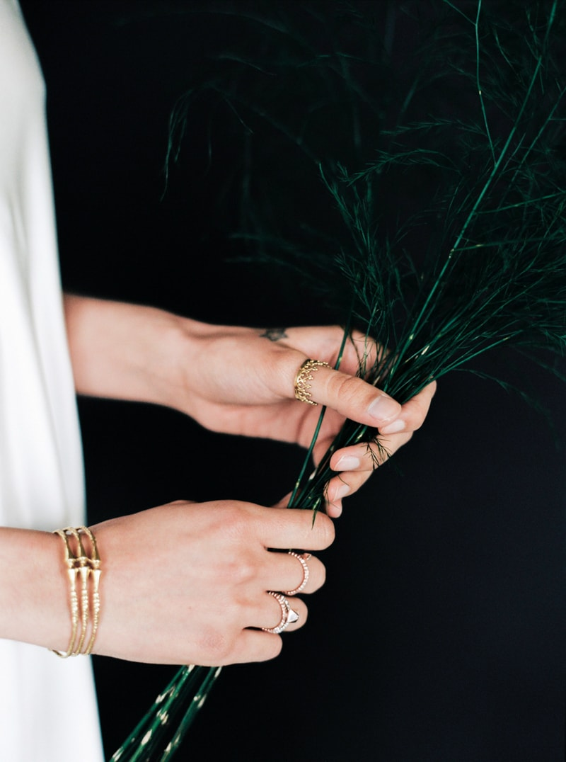 light-dark-bridal-inspiration-wedding-fashion-21-min.jpg
