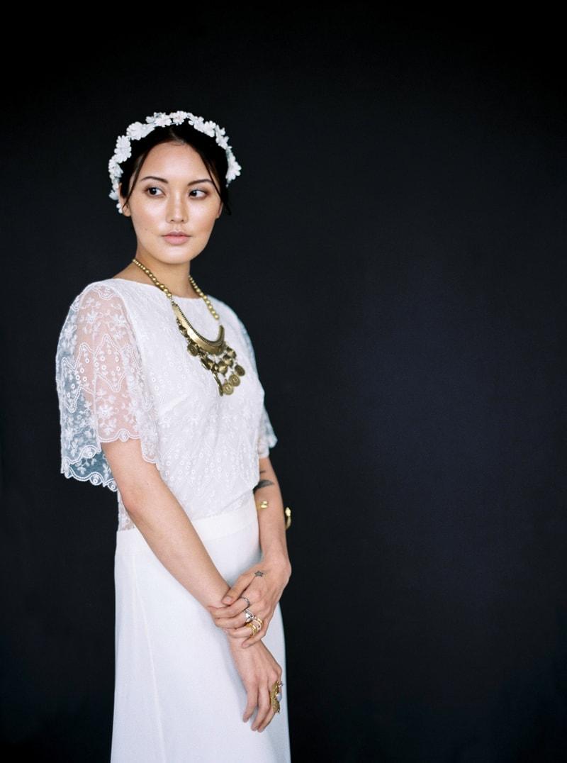 light-dark-bridal-inspiration-wedding-fashion-25-min.jpg