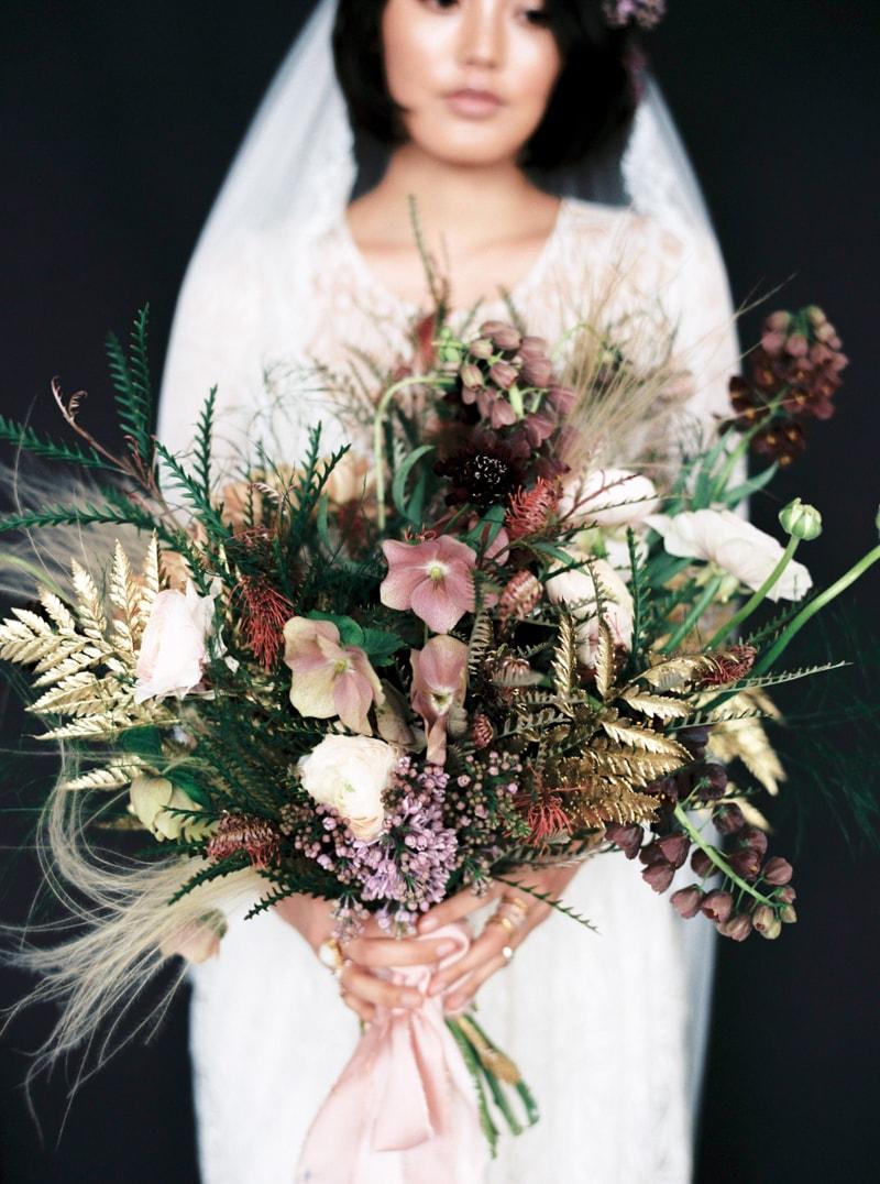 light-dark-bridal-inspiration-wedding-fashion-26-min.jpg