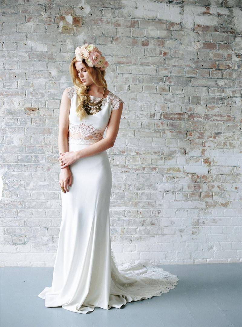 light-dark-bridal-inspiration-wedding-fashion-6-min.jpg