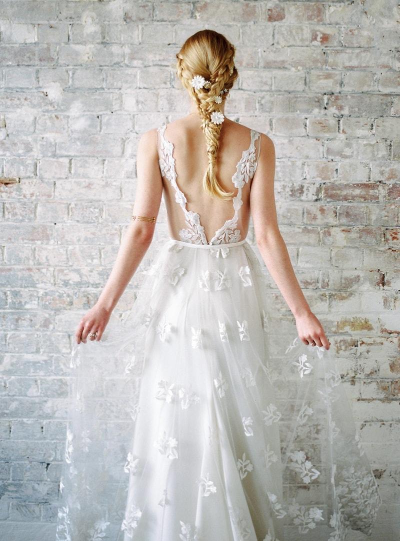 light-dark-bridal-inspiration-wedding-fashion-7-min.jpg