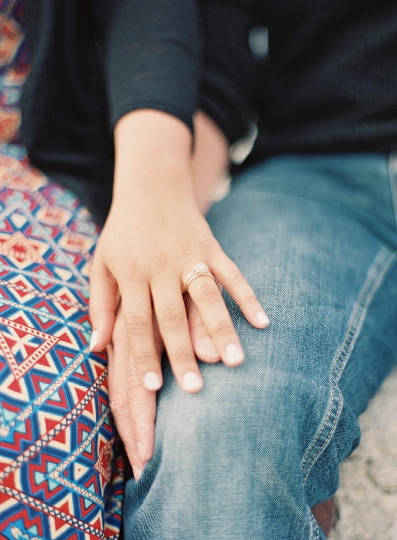 santorini-engagement-photos-greece-contax-645-14-min.jpg