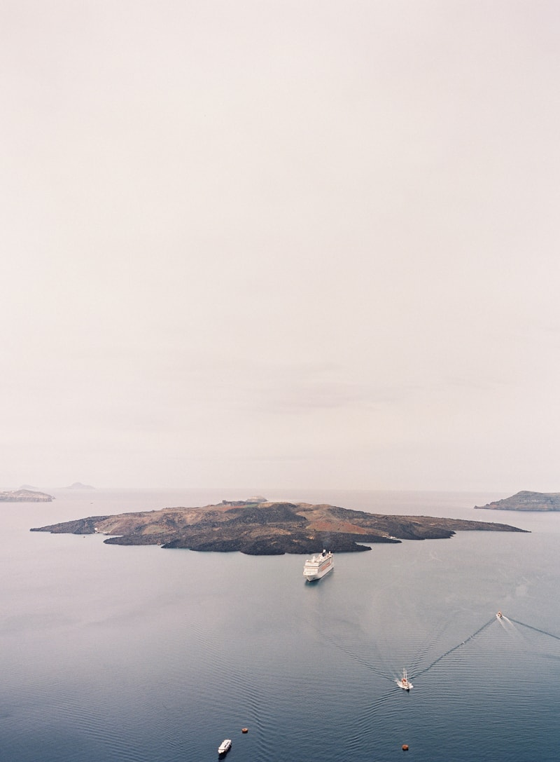 santorini-engagement-photos-greece-contax-645-21-min.jpg