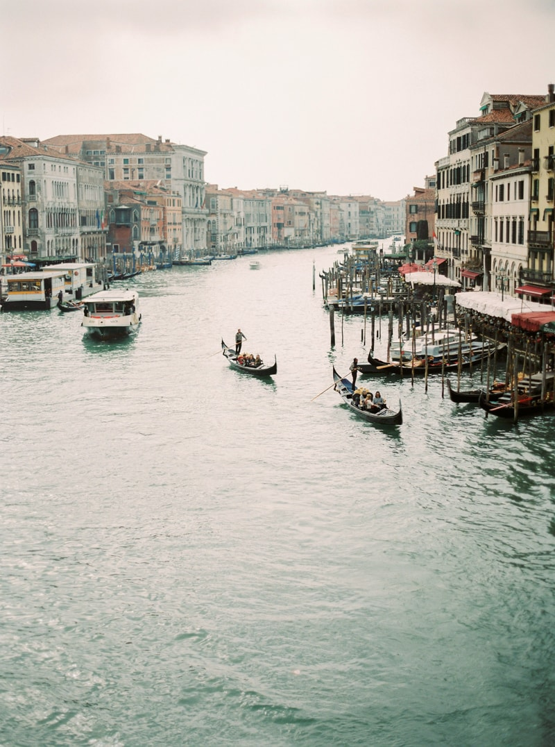 venice-italy-engagement-photos-contax-645-21-min.jpg