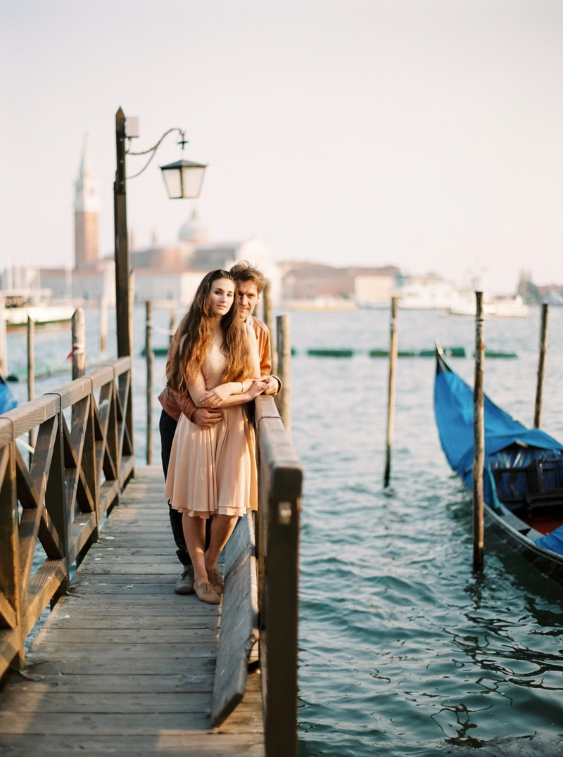 venice-italy-engagement-photos-contax-645-22-min.jpg