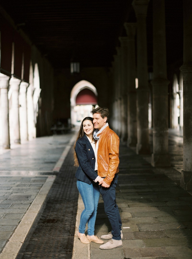 venice-italy-engagement-photos-contax-645-3-min.jpg