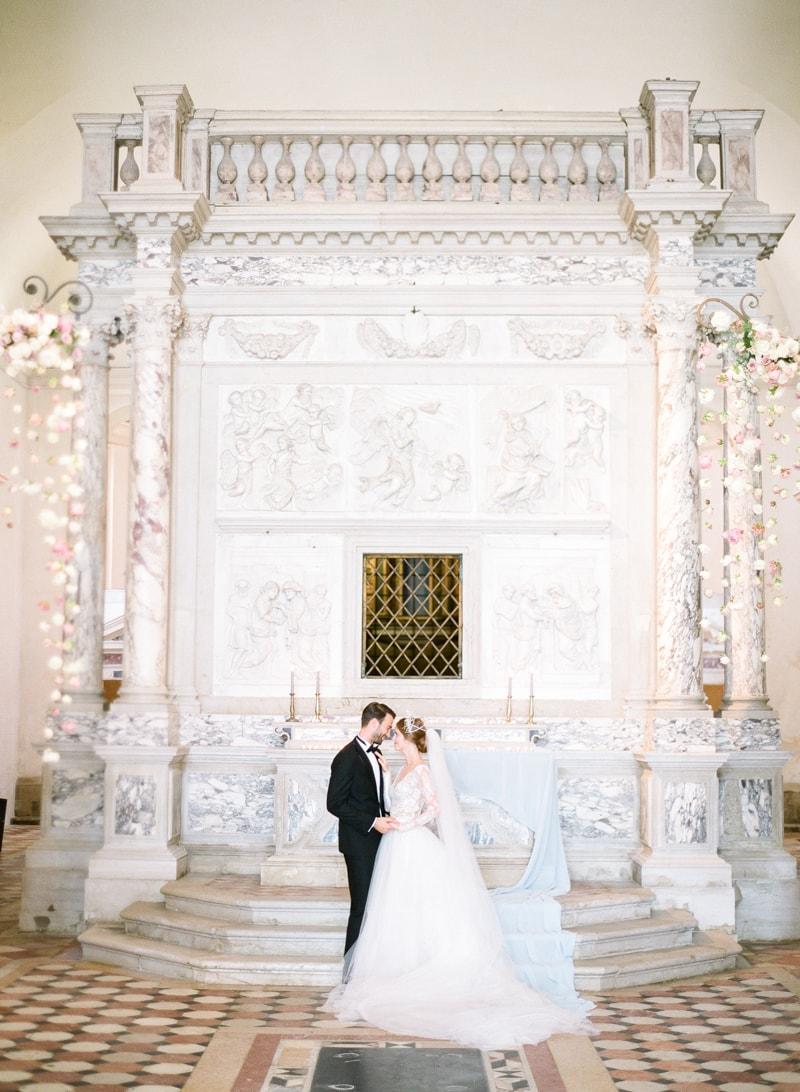 venice-wedding-inspiration-italy-fine-art-blog-15-min.jpg