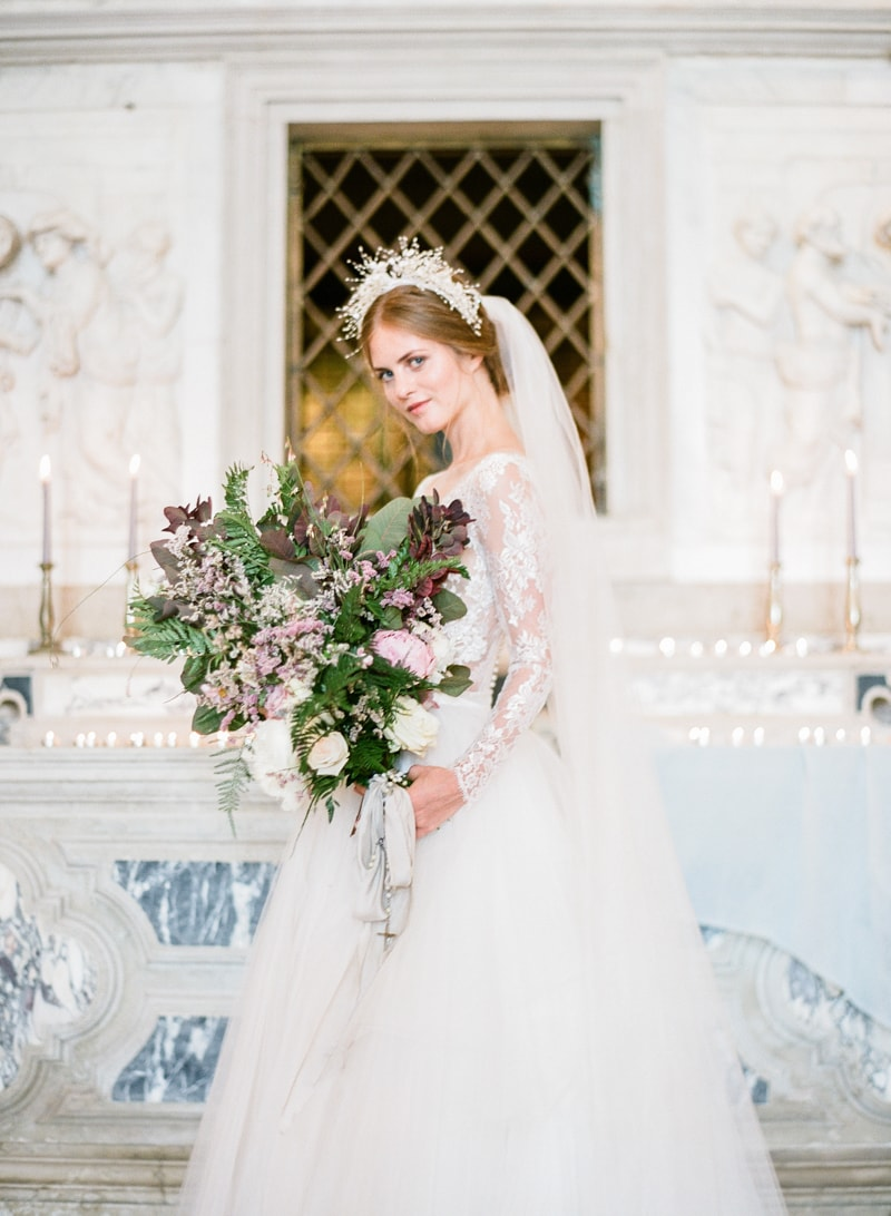 venice-wedding-inspiration-italy-fine-art-blog-16-min.jpg