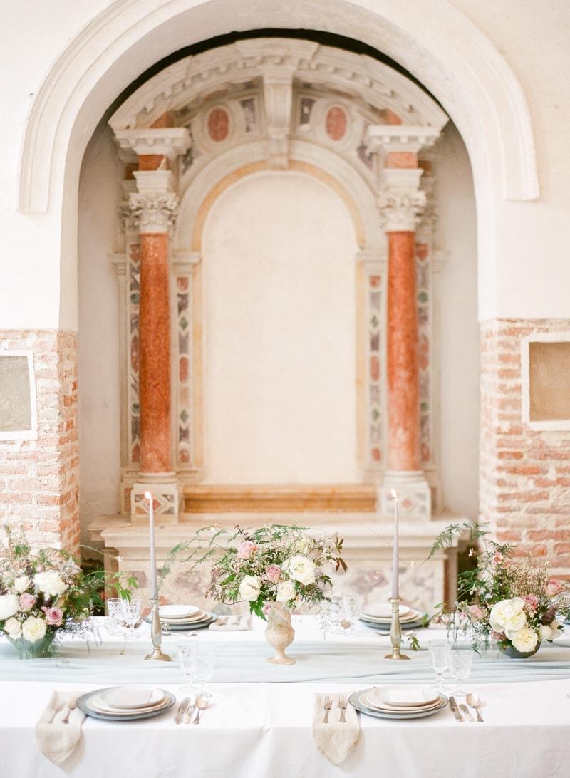 venice-wedding-inspiration-italy-fine-art-blog-18-min.jpg