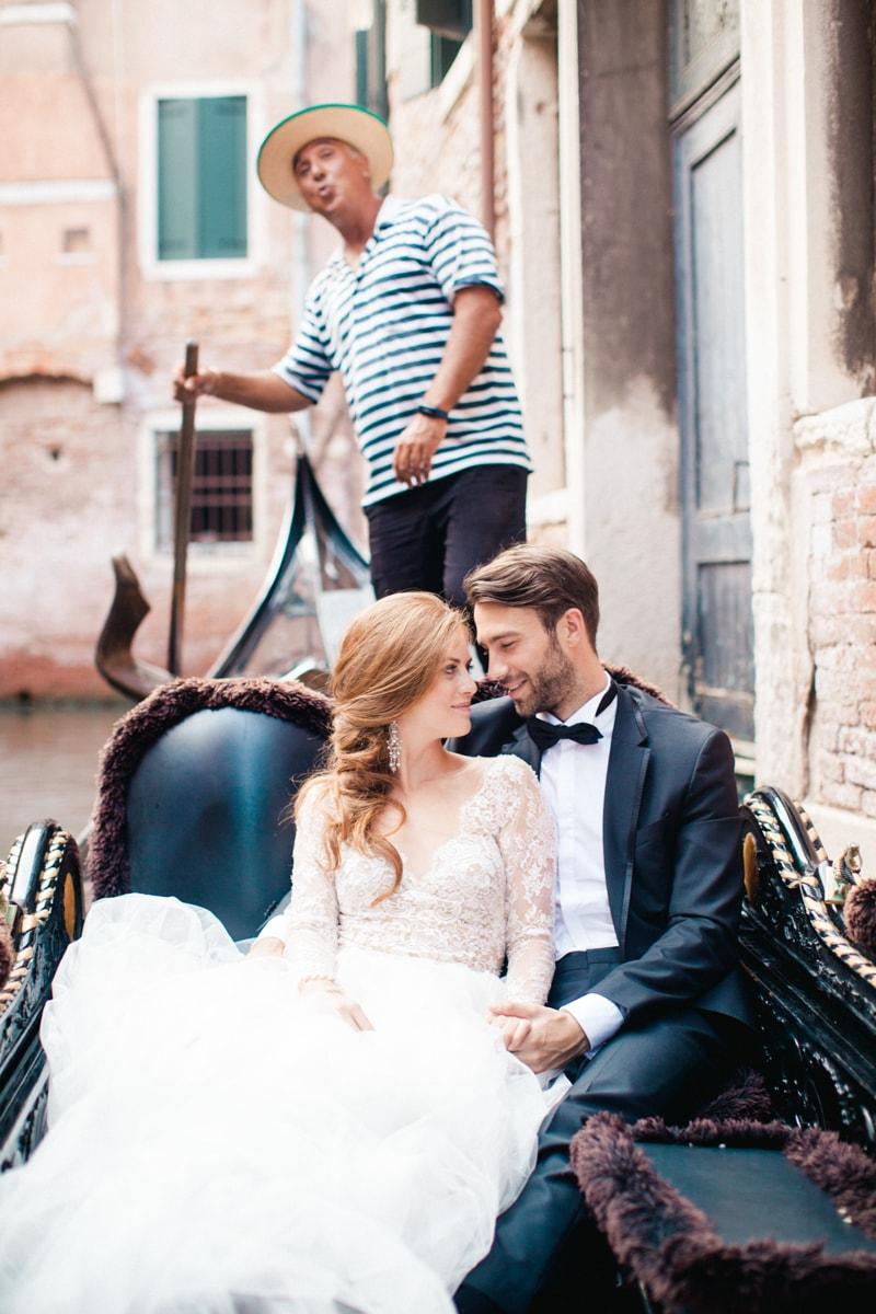 venice-wedding-inspiration-italy-fine-art-blog-26-min.jpg