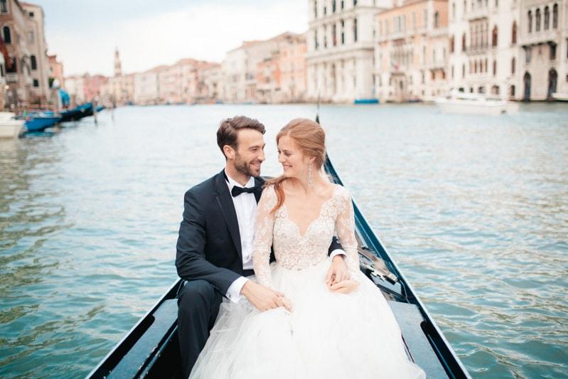 venice-wedding-inspiration-italy-fine-art-blog-27-min.jpg