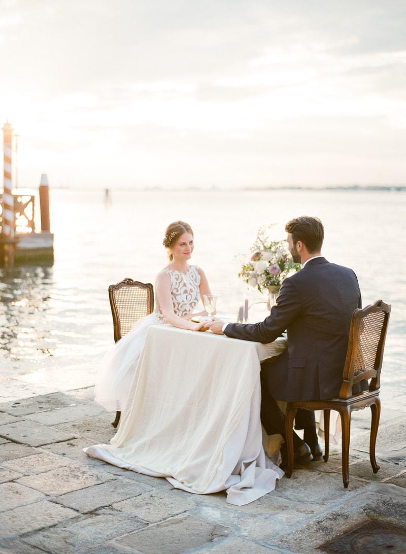 venice-wedding-inspiration-italy-fine-art-blog-30-min.jpg