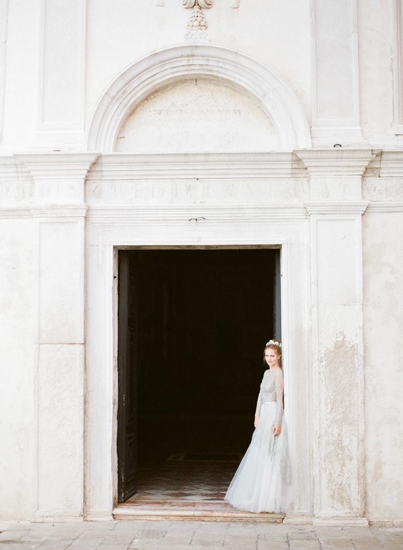 venice-wedding-inspiration-italy-fine-art-blog-6-min.jpg