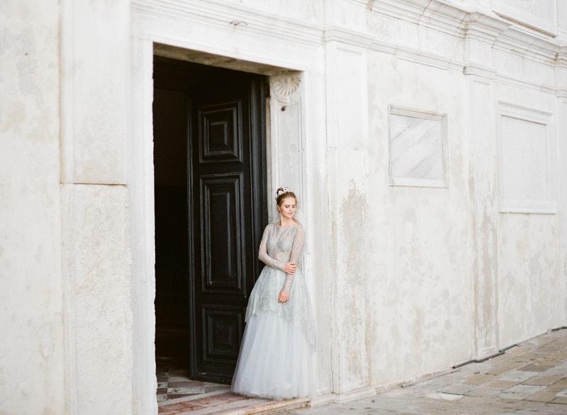 venice-wedding-inspiration-italy-fine-art-blog-7-min.jpg