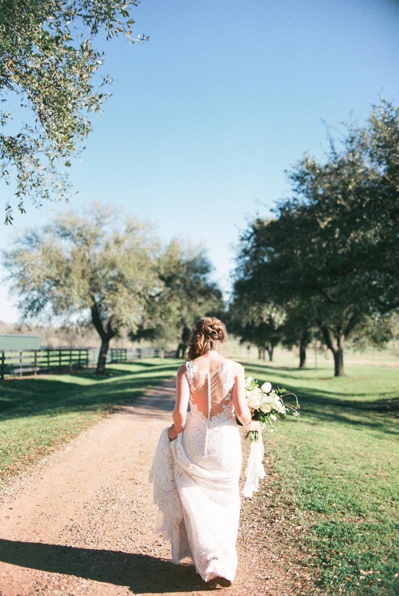 dos-brisas-washington-texas-wedding-inspiration-16-min.jpg