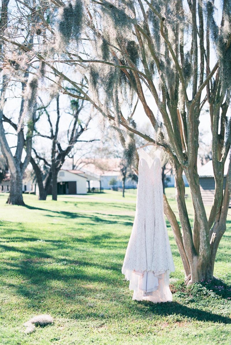 dos-brisas-washington-texas-wedding-inspiration-2-min.jpg