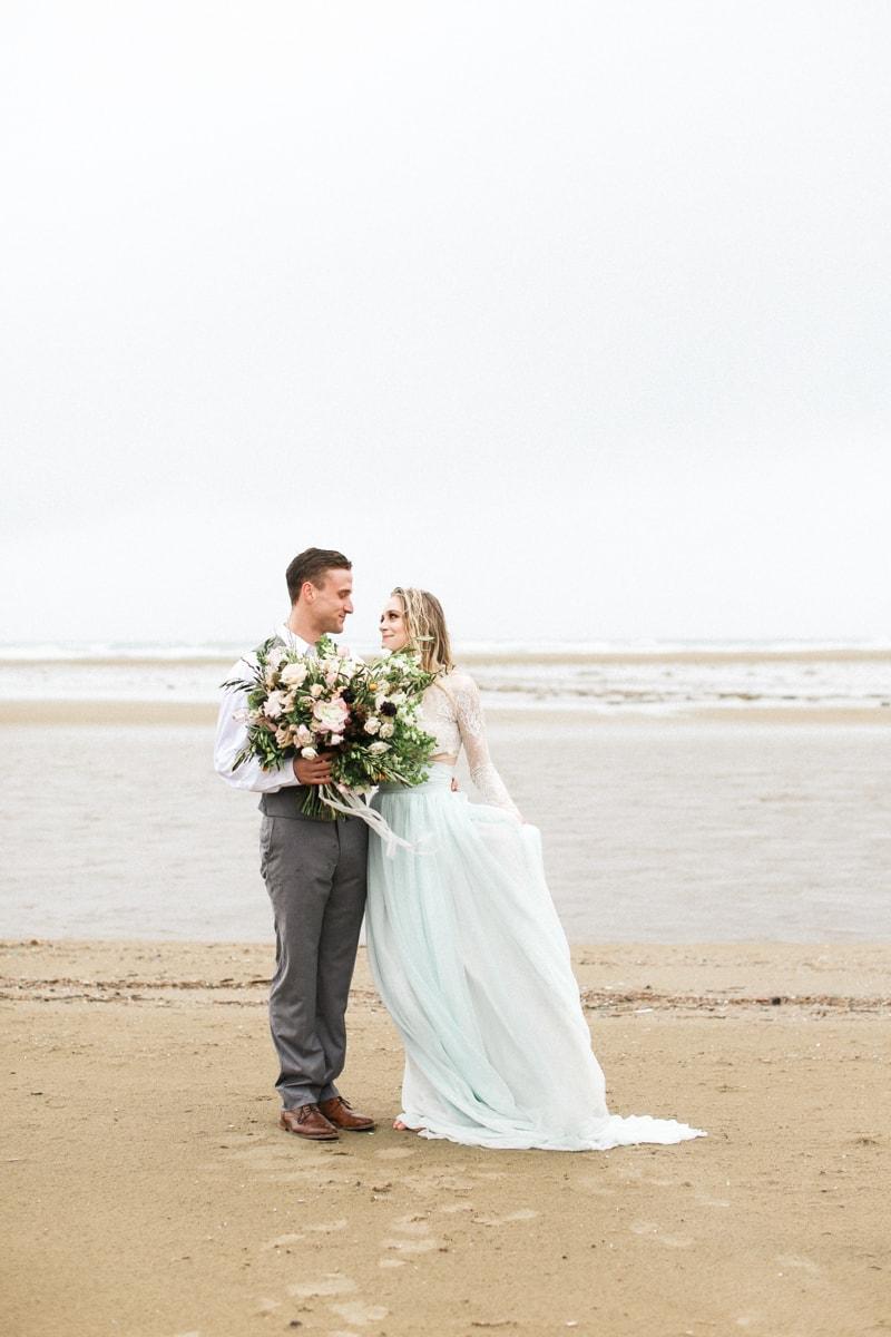 romantic-coastal-elopement-in-cannon-beach-18-min.jpg