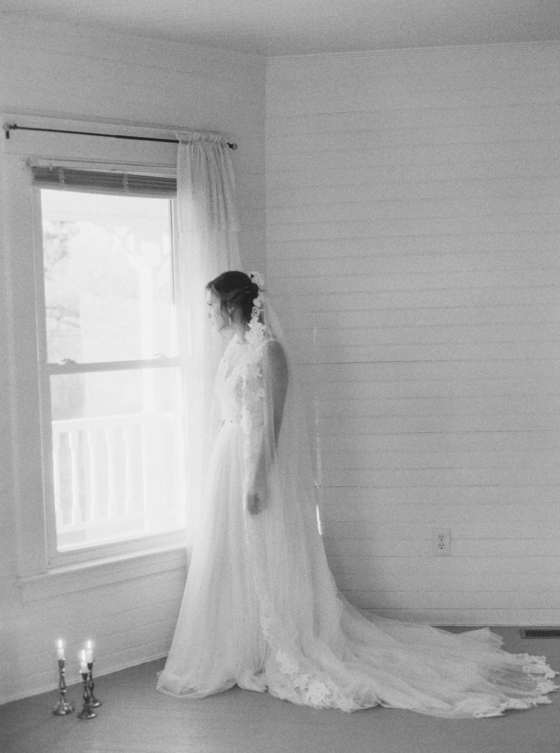romantic-historic-home-bridal-inspiration-7-min.jpg