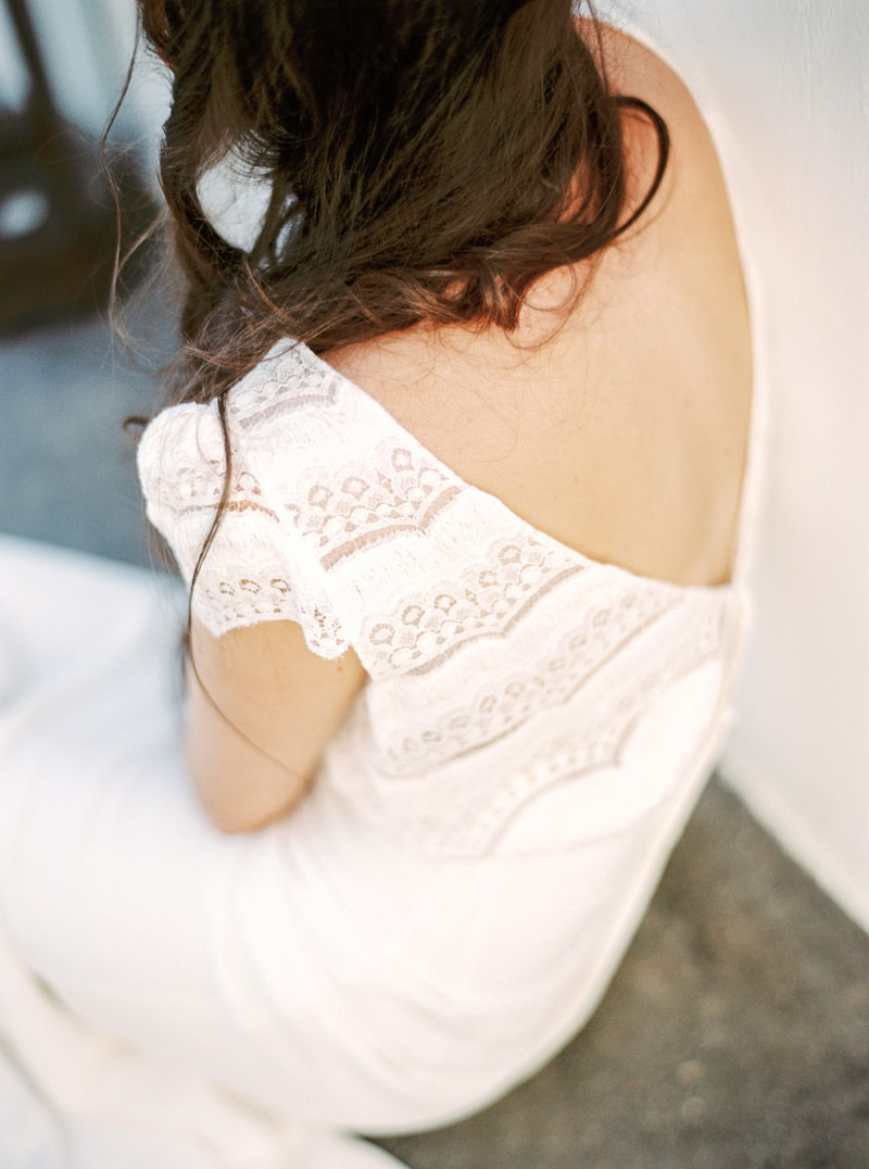 santorini-bridal-portraits-greece-weddings-12-min.jpg