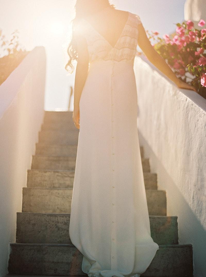 santorini-bridal-portraits-greece-weddings-14-min.jpg