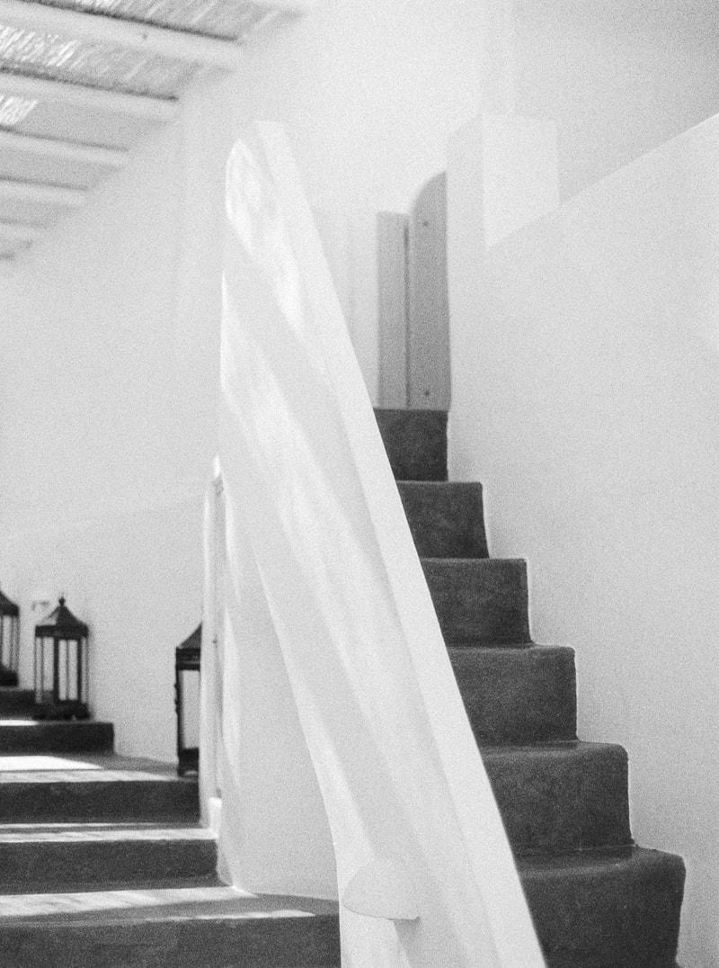 santorini-bridal-portraits-greece-weddings-2-min.jpg