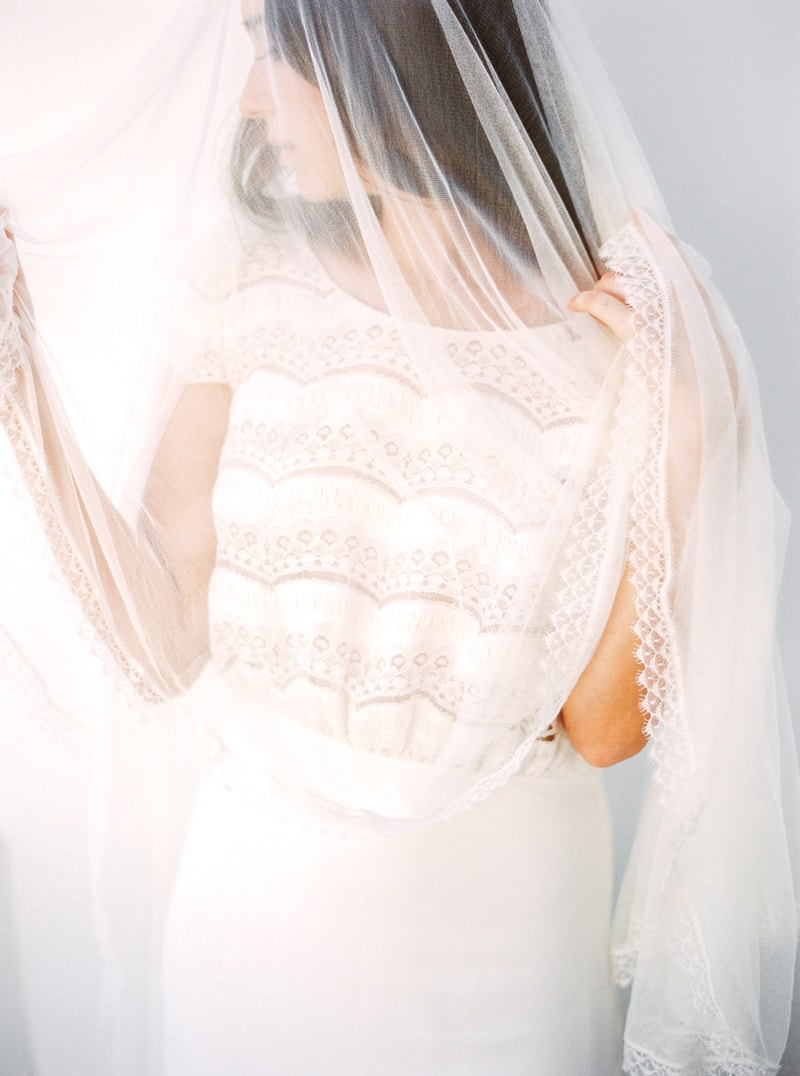 santorini-bridal-portraits-greece-weddings-3-min.jpg