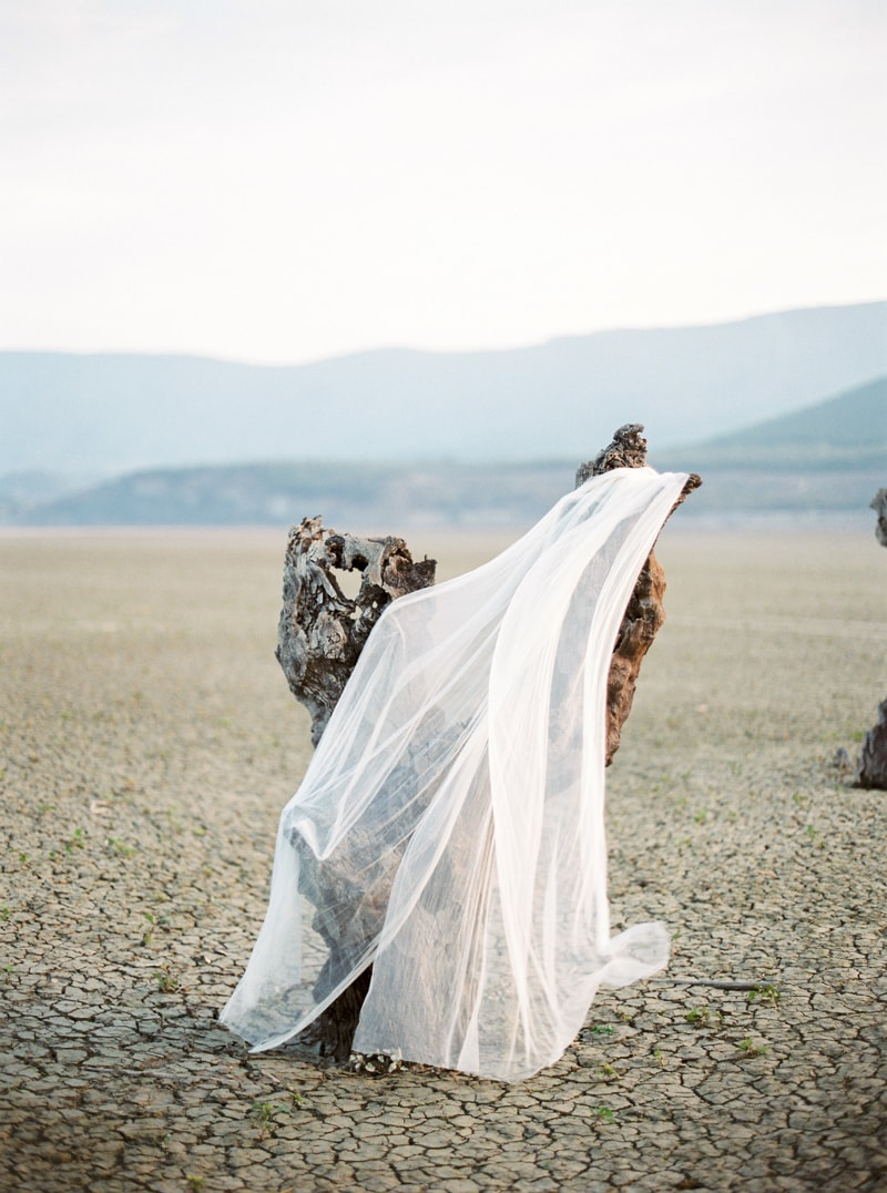 spain-wedding-inspiration-fine-art-film-contax-645-3-min.jpg