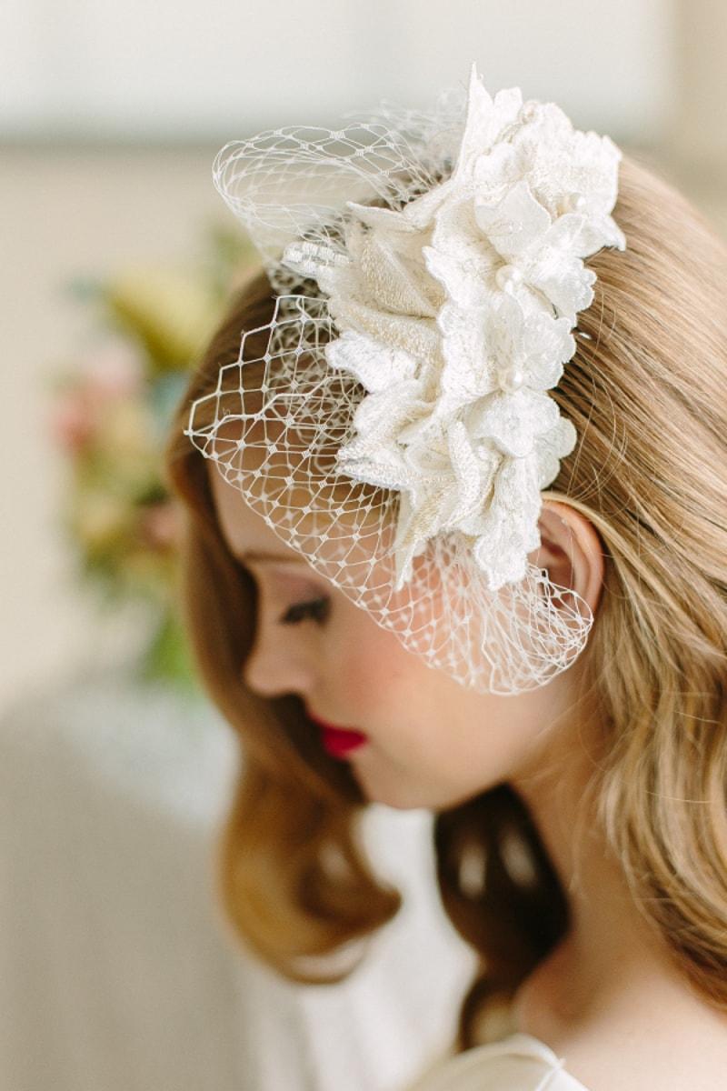 birdcage-veils-for-trendy-brides-wedding-blog-7-min.jpg