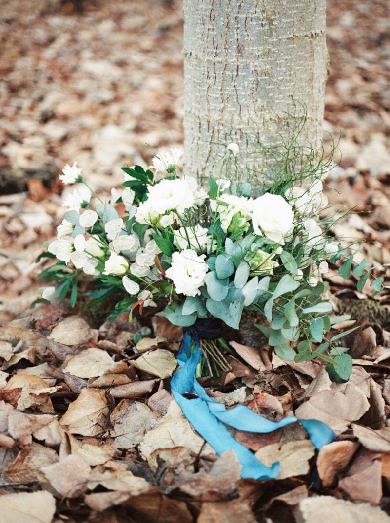 styled-bridal-shoot-in-woods-boardman-oregon-15-min.jpg