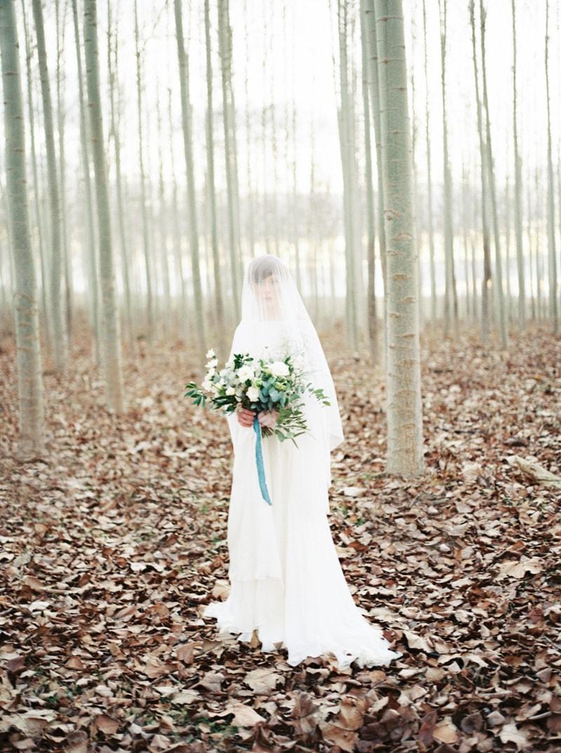 styled-bridal-shoot-in-woods-boardman-oregon-17-min.jpg