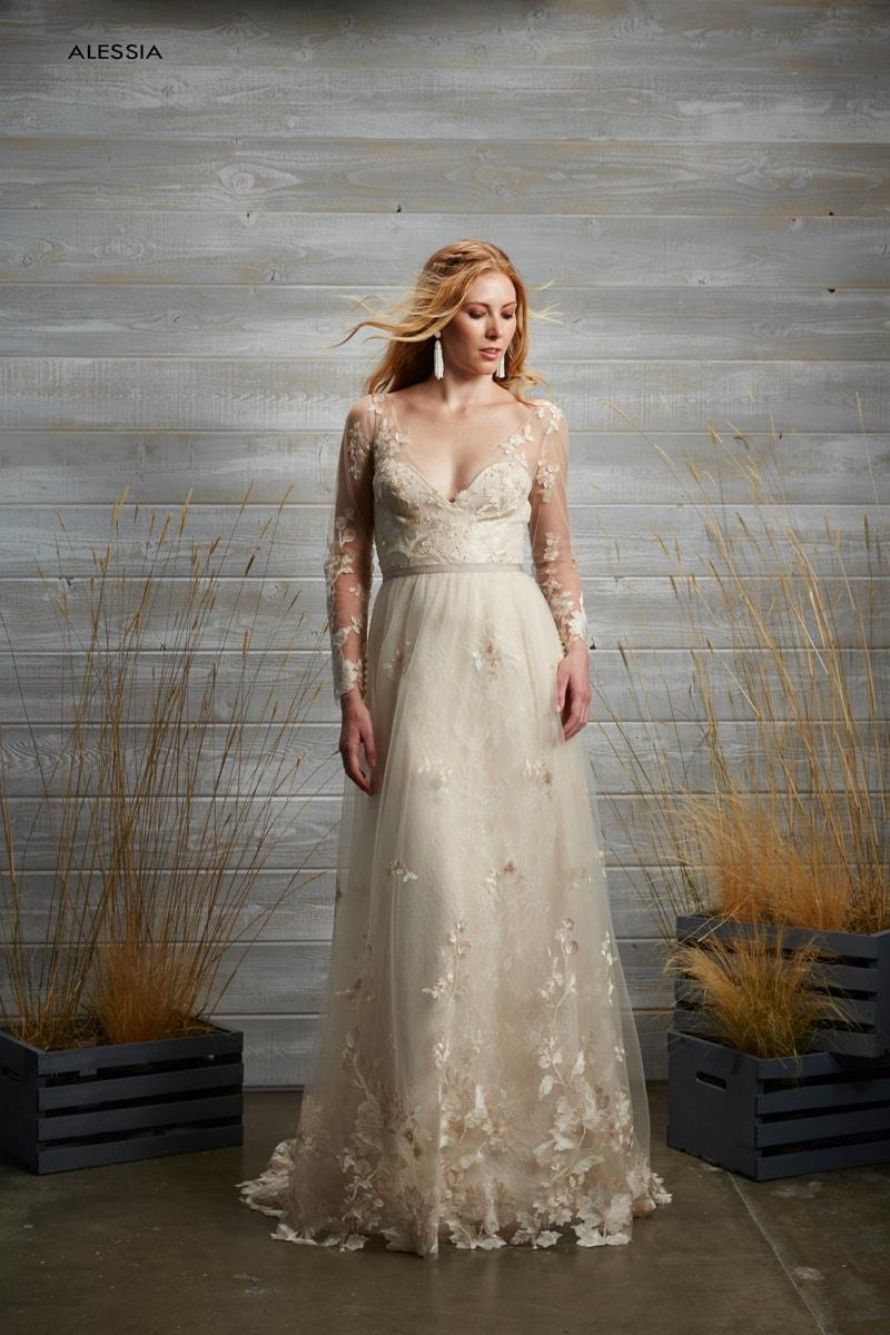 tara-lauren-spring-2017-wedding-dresses-5-min.jpg