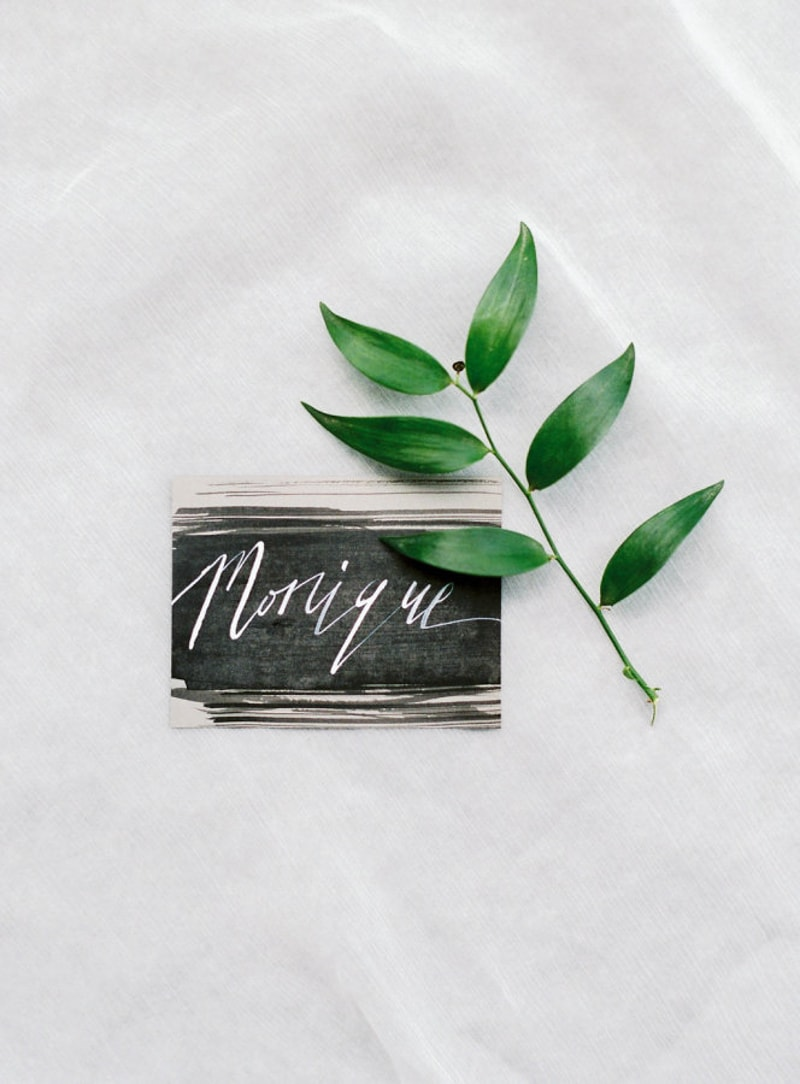 unique-place-cards-wedding-seating-4-min.jpg