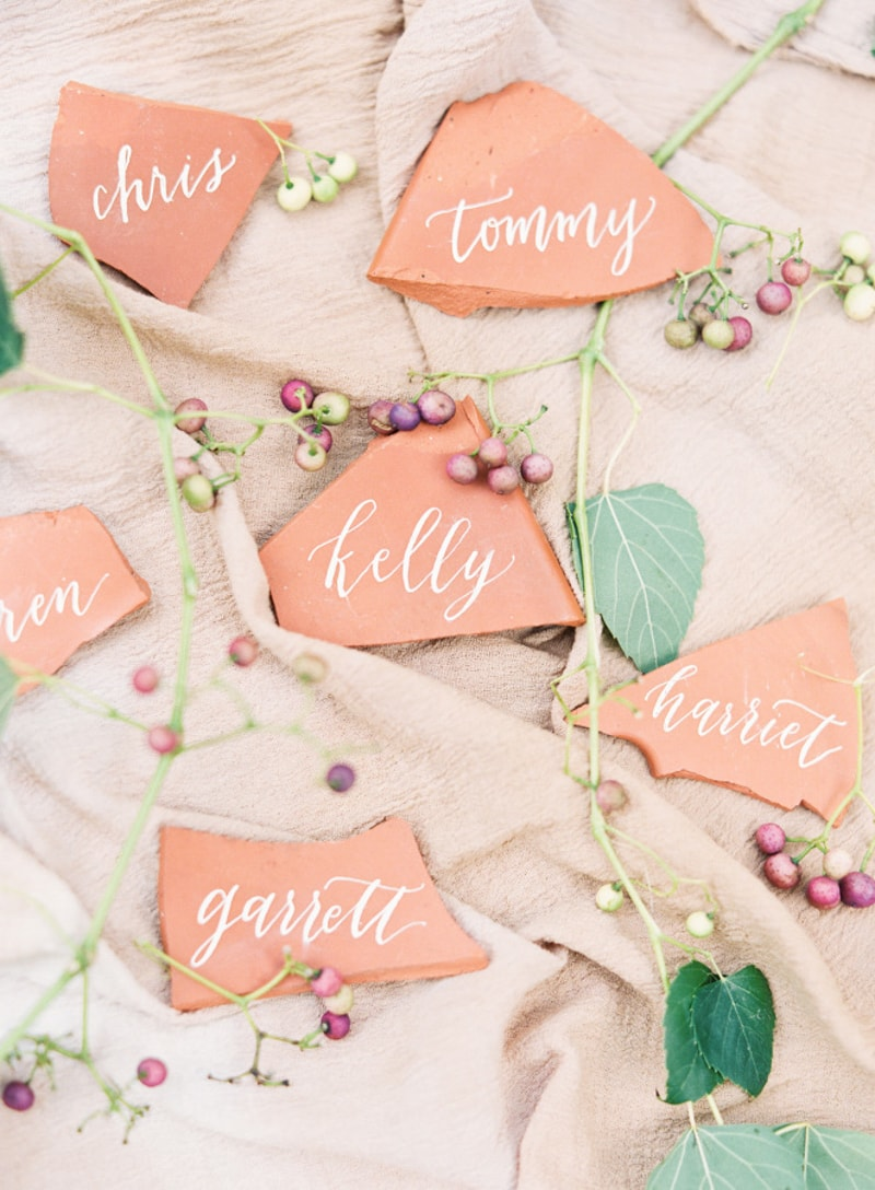 unique-place-cards-wedding-seating-min.jpg