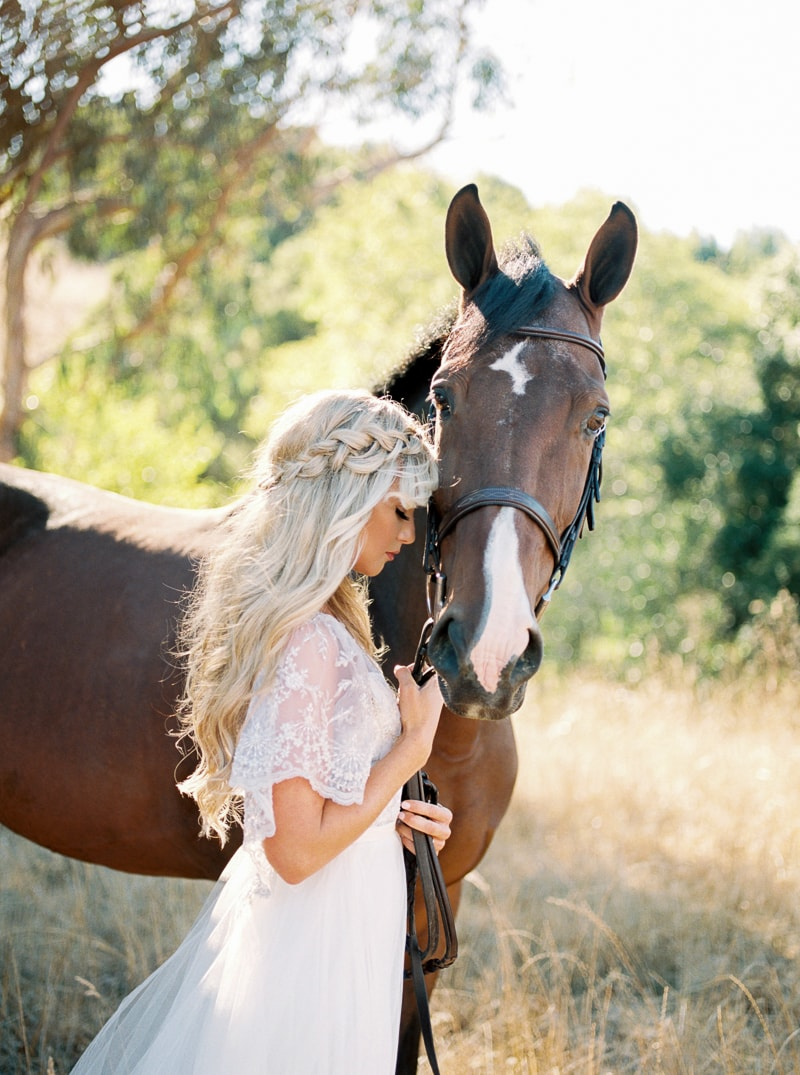 fall-equestrian-styled-shoot-in-california-18-min.jpg
