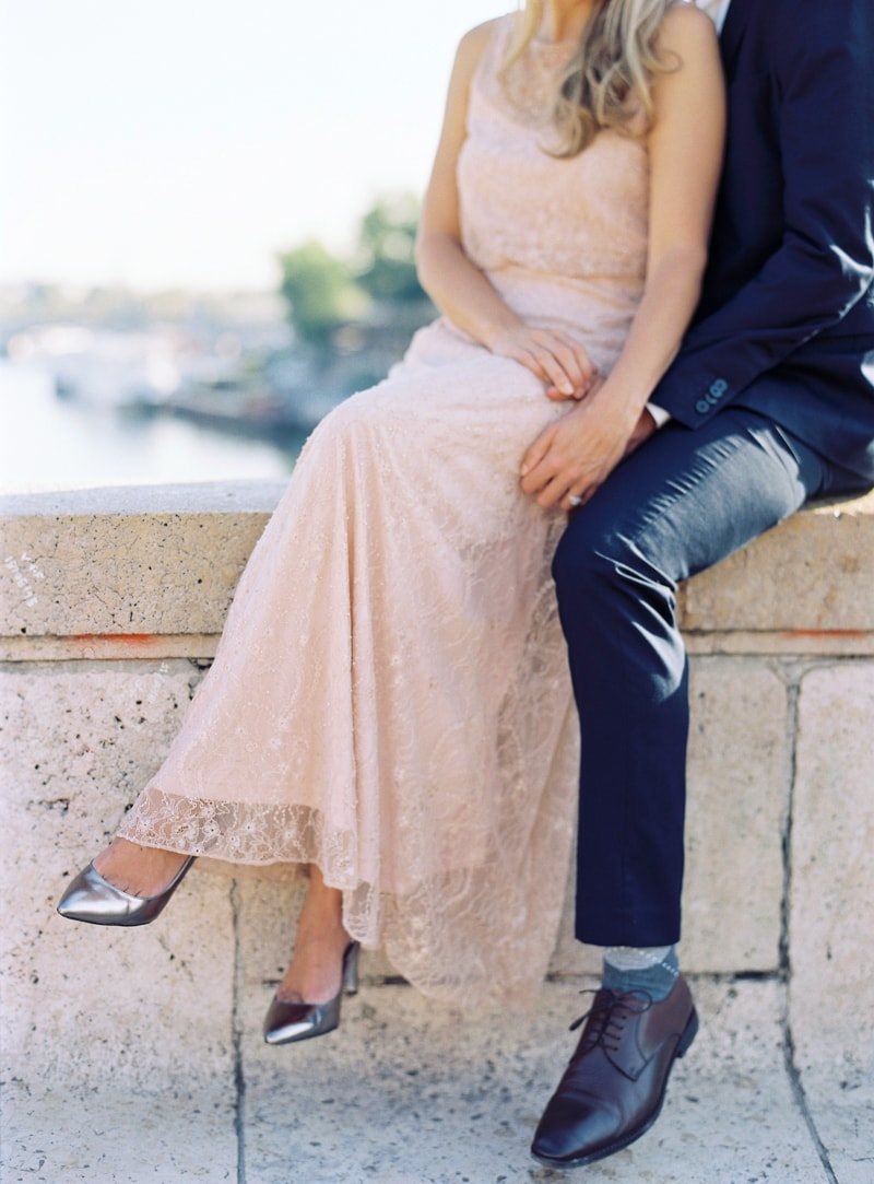 paris-engagement-photos-trendy-bride-wedding-blog-12-min.jpg