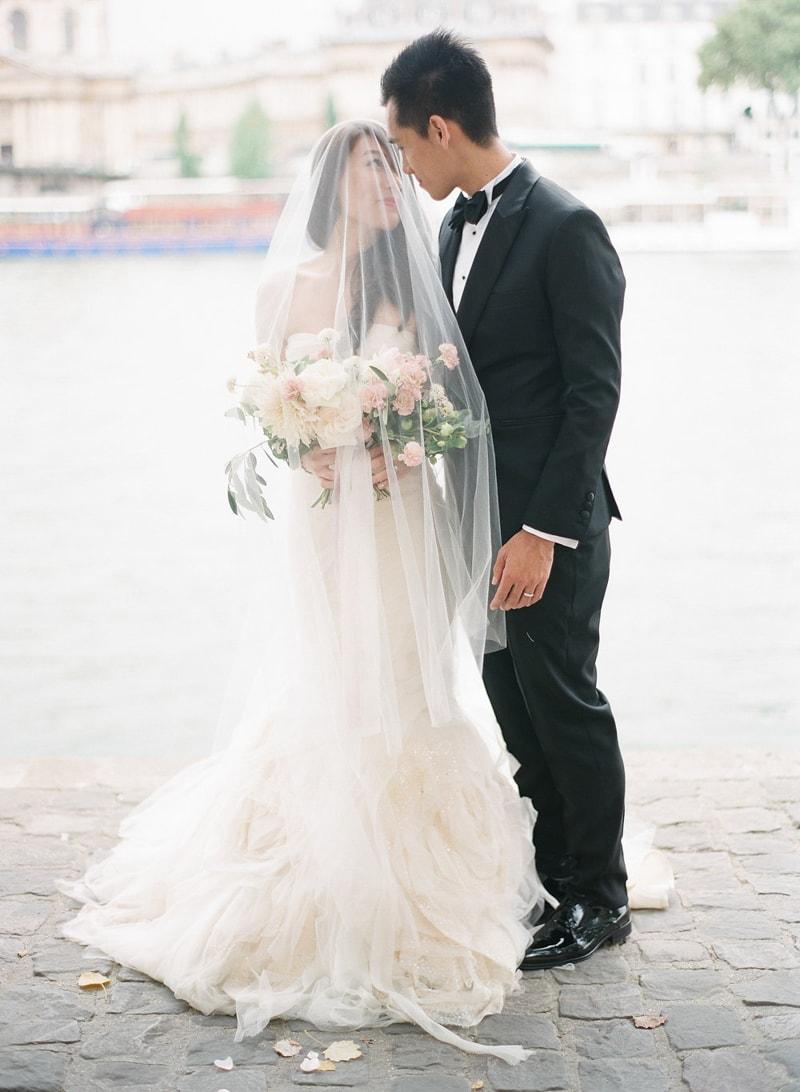 pre-wedding-engagement-photos-in-Paris-26-min.jpg