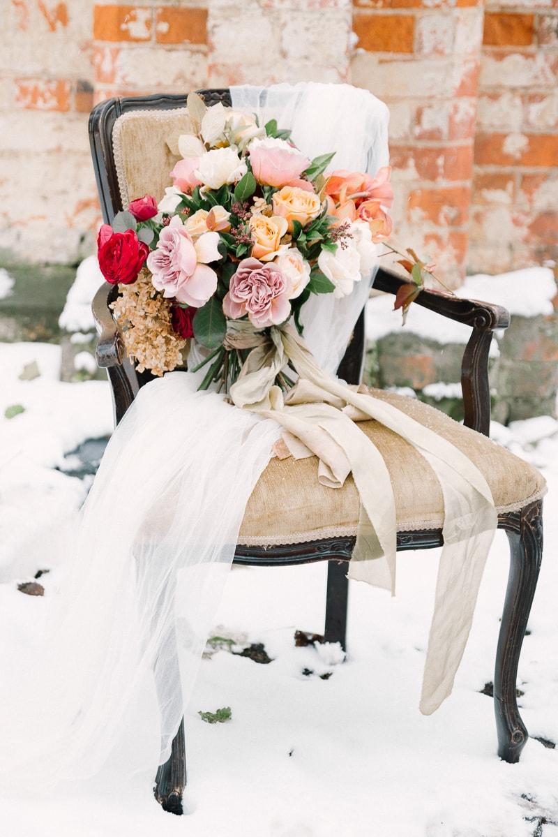 russia snow wedding