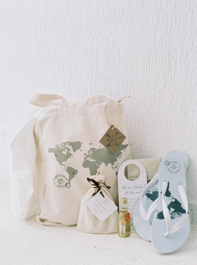 welcome-gifts-for-wedding-guests-2-min.jpg