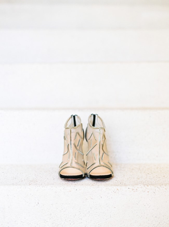 unique-wedding-shoes-heels-trendy-bride-min.jpg